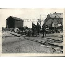 1925 Press Photo Soldiers guard the colliery of British Empire Steel-N.S. Strike