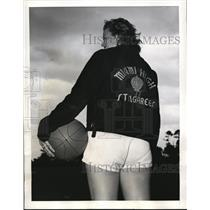 1941 Press Photo Sarah Bennett of Miami High School Stingaree basketball team