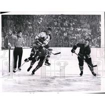 1962 Press Photo Chicago Maple Leaf Allen Stanley vs Blackhawks - nes16792