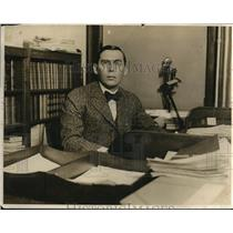 1918 Press Photo Travis Whitney in his office.