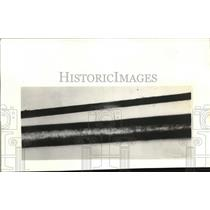 1931 Press Photo Wire compared to hair in a magnified view