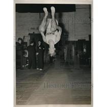 1936 Press Photo Frank Wells of Jersey City NJ in Olympic gymnastics trials
