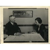1920 Press Photo Charles Hall mgr of Colieseum & a secretary