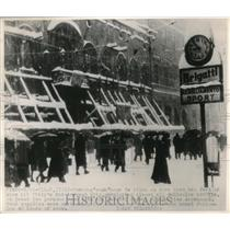 Press Photo Snow bound Milan Italy in rush hour