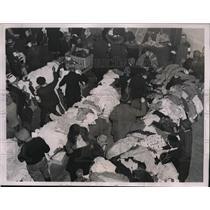 1937 Press Photo Distribution Center established in Evansville for refugees