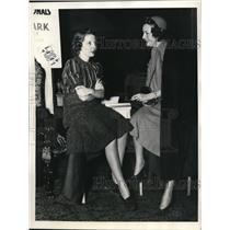 1938 Press Photo Mrs. A.M. Sobel & Mrs. Donald B. Transill in Bridge Tournament