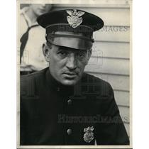 1926 Press Photo A policeman in his uniform