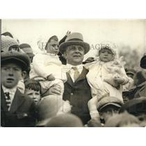 1924 Press Photo Secretary of Labor Jas J Davis at Whitehouse Egg Rolling Day