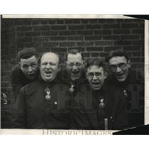 1924 Press Photo Five Men Singing