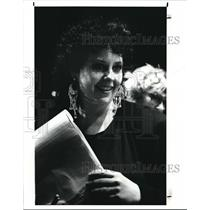 1990 Press Photo Victoria Bussert, Director of the JLTF Production of threepenny