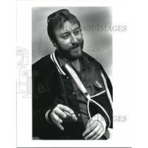 1985 Press Photo Brian R. Carson Stuntman With Broken Arm