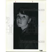 1979 Press Photo Peggy Barnes looking up