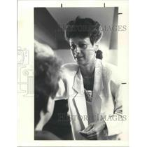1988 Press Photo Mary Lou DiGiacomo of Natural Look on hair cutting pay raise