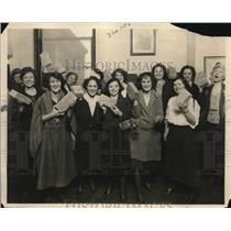 1922 Press Photo Helping the Womens Trade Union raise funds for Club GHouse