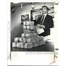 1983 Press Photo Thomas V Chema Executive Director of Lottery