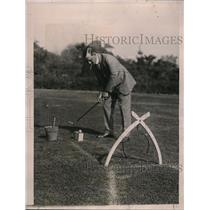 1922 Press Photo H.C. Schwab Tries Hand at Trick Golf Course in Pasadena, CA