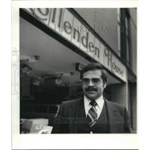 1981 Press Photo Manuel Arreche, Gen. Mgr. of Hollenden House in Cleveland