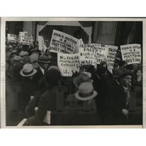 1930 Press Photo NYC police & demonstrators at French Consulate