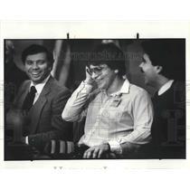 1983 Press Photo David N. DeVault (middle) Ohio Lottery Winner.