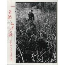 1979 Media Photo Botanist Barb Andrews in a Field