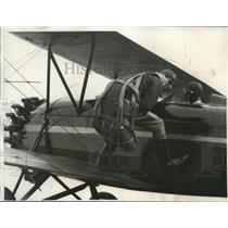 1931 Media Photo Dick Terry of Los Angeles, Parachute Jumper on Plane