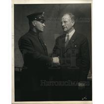 1924 Press Photo NY Mayor John Hylan congratulates good cop Peter Monahan