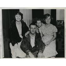 1934 Media Photo La Calif Mr & Mrs Raymond Taylor & kids win Irish Sweepstakes