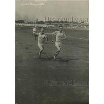 1918 Press Photo Finish of Foot Race at Great Lakes Naval Training School