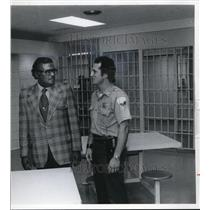 1977 Press Photo Warden Brown & Douginear in Maximum Security at County Jail