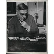 1933 Press Photo Chester N Weaver playing bridge in San Francisco, California
