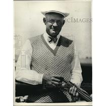 1929 Press Photo Ernie Everall With A Rifle