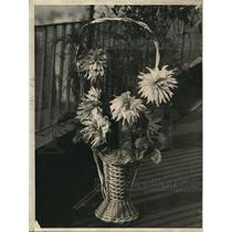 1922 Press Photo Baskets Of Dahlias In Exhibit Halls At Hotel Penssylvania