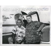 1959 Press Photo Dan Sorkin And Frank Hansen Morris III Finish Round World Trip