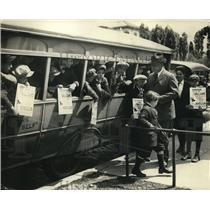 1923 Press Photo Washington D.C. Boys Club Members Selling Baseball Tickets