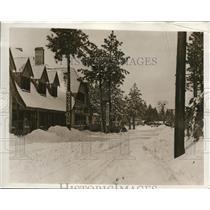 1932 Press Photo Crestville Calif winter resort gets new snow coating