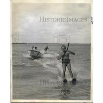 "1941 Press Photo Water ski Troops at Miami Outboard Club, ""Flea"" Fleet"