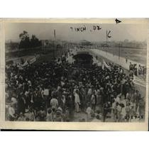1920 Press Photo Crowds at Arrival of Mexican Diplomat Ignacio Bonillas