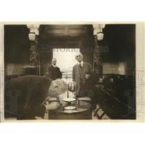 1924 Press Photo Sun dials at Natl Academy of Sciences in DC & men examine it