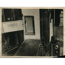 1929 Press Photo Secret Safe Found in Raid of Scotland Yard Soviet Headquarters