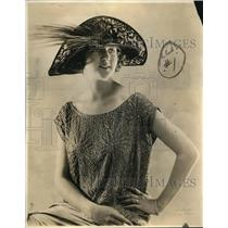 1922 Press Photo  Embroiderd and feathered turned brim Hat for the roaring 20's