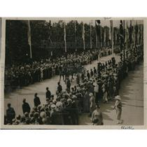 1925 Press Photo Procession to the Royal Palace at Calo where Anundson and his