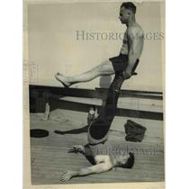 1926 Press Photo Strongman Hajhos and another at a workout