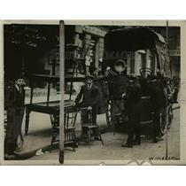 1918 Press Photo Bolshecick Amb toGreat Britain Litvinoff as embassy closed