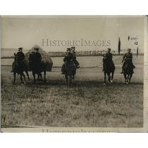 1920 Press Photo Horseback Women's First Aid Nursing Yeomanry Corps England