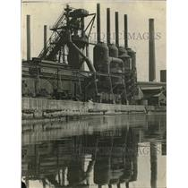1930 Press Photo Outside View of Steel Plant
