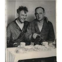 1929 Press Photo Byron Newcomb And Roy Mitchell At Breakfast Table
