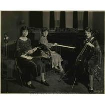 1926 Press Photo Baltimore WBAL Trio Celia Brace, Flo W Otey, Helene Broomer