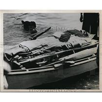 1937 Press Photo Aviation Cadet Bruce Harwood injured in Navy Plane crash