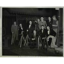 1933 Press Photo Camermen in Hollywood Calif for party at Mayfair hotel