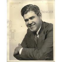 1932 Press Photo Versatile Artells Dickson, long a staff artist at WABC